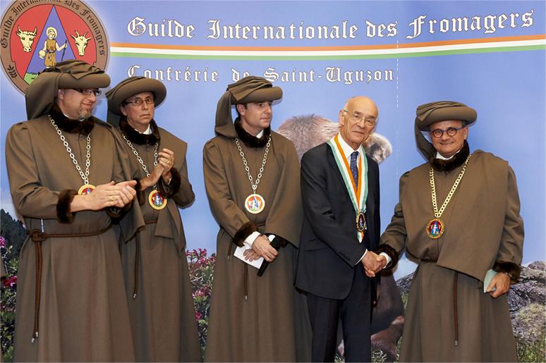 Intronisation de Mr l'Ambassadeur de France